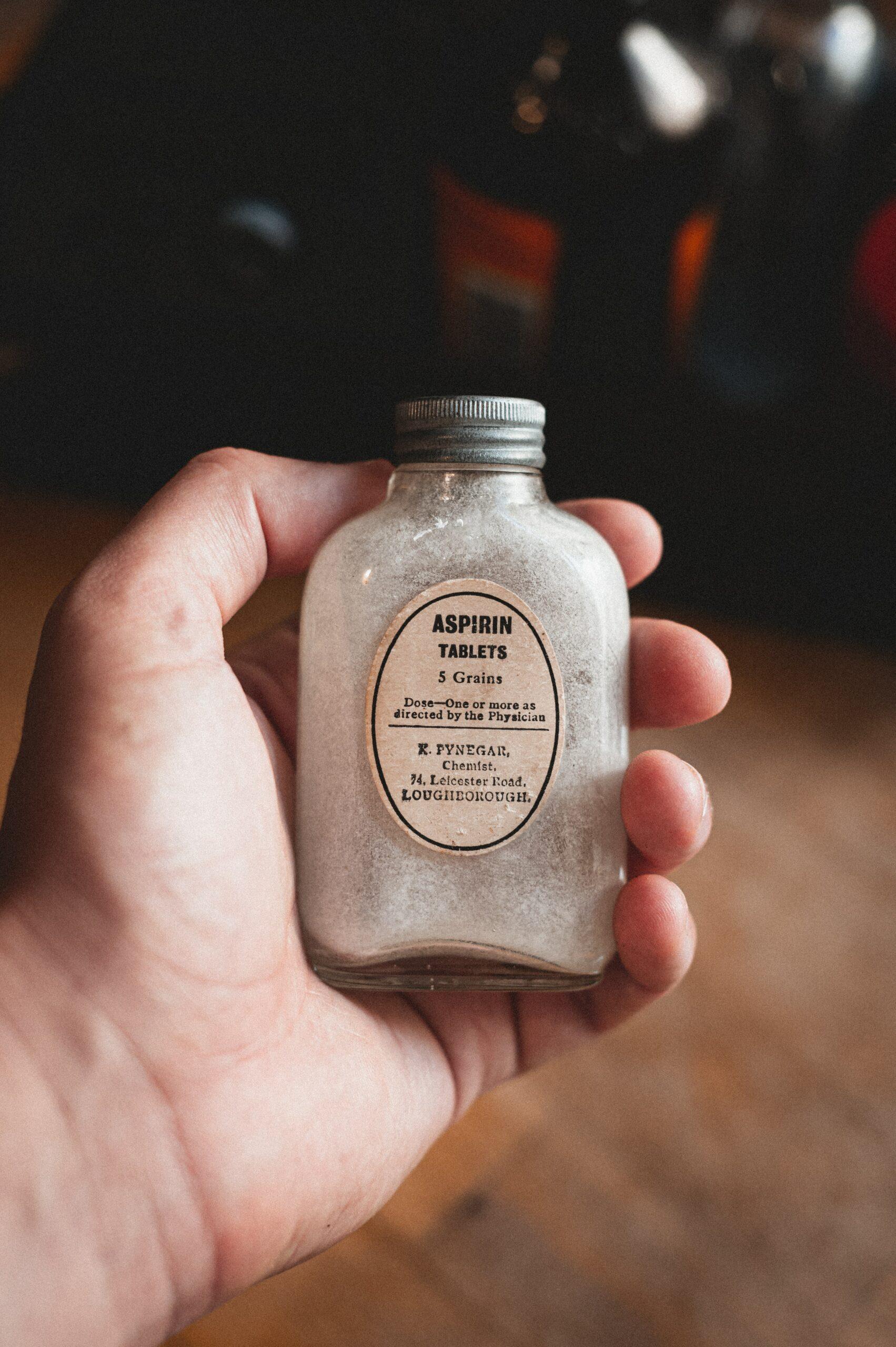 NE UZIMAJTE NA SVOJU RUKU Aspirin nije bezazlen!