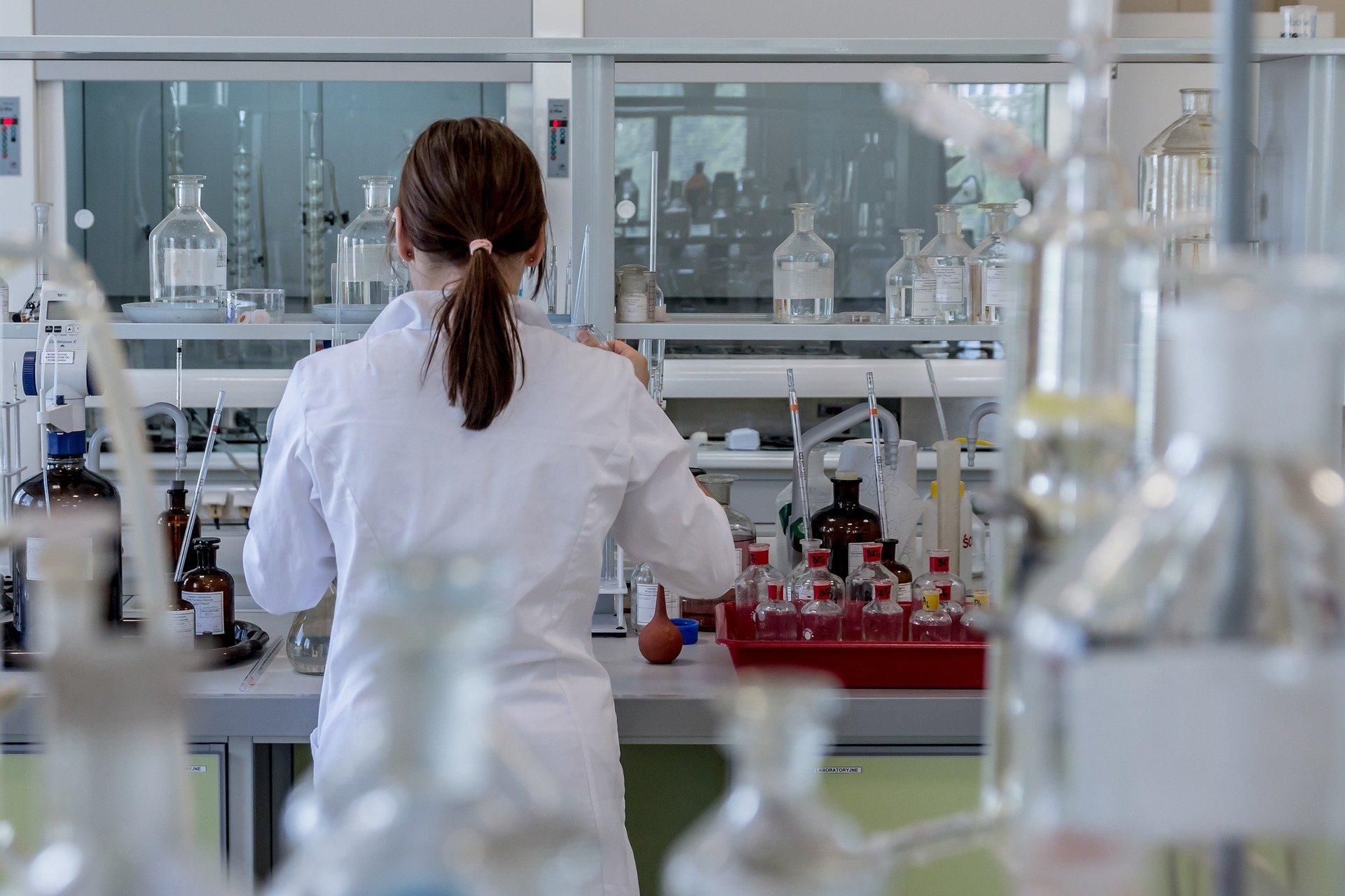 EMA razmatra odobrenje lijeka Regkirona za liječenje covida